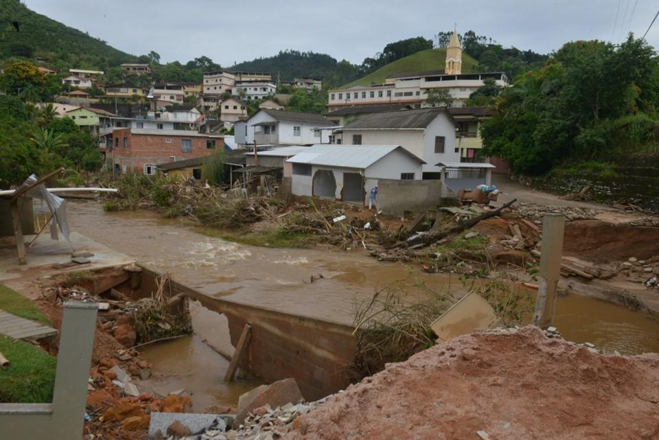 Estado monitora casos suspeitos de leptospirose após enchentes no sul 1
